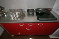Villa 5 electric cooker and sink